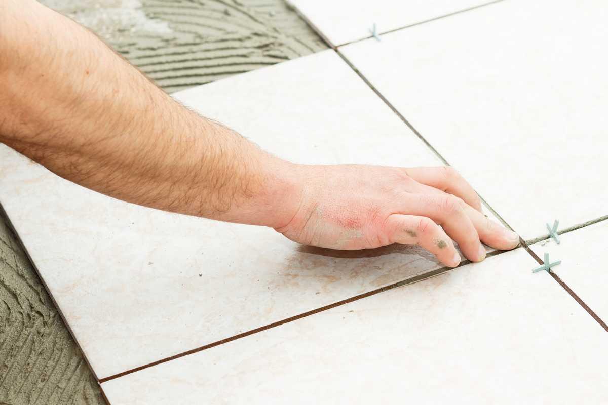 Comment poser du carrelage au sol